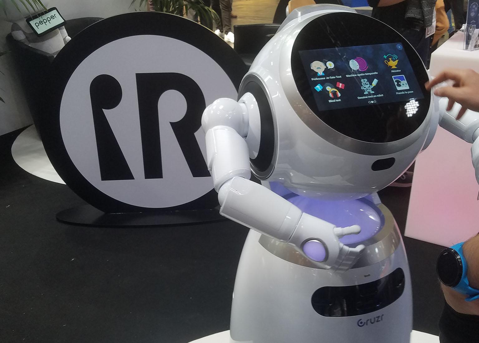 ubtech robot cruzr vivatech
