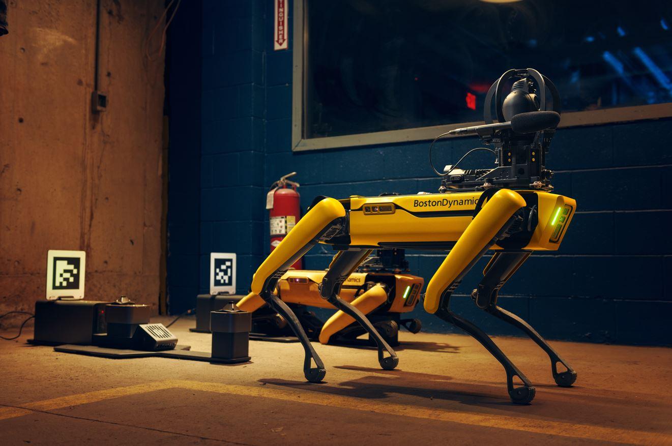 robot spot explorer enterprise différence